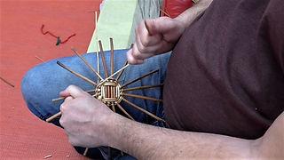 Round base weaves - reverse pairing