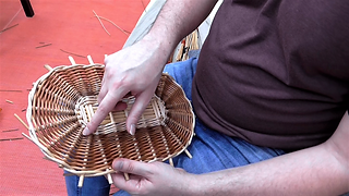 Weaving an oval willow base in French randing: Tutorial