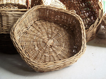 Pentagonal Woven Basket from Israeli Date Palm Branches