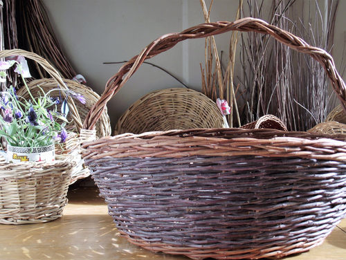 Round Basket from Locally Foraged Materials
