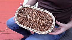 How to weave an oval base from willow