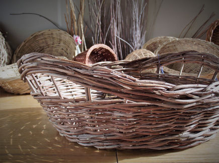 Mastic Tree Basket with Space Handles