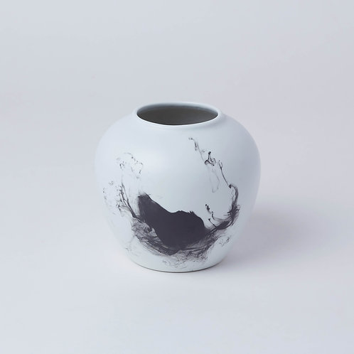 Vase (Black Ink)