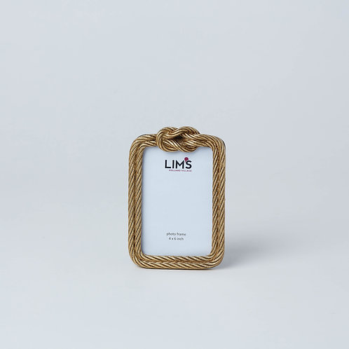 Affordable décor and photo frames available at Lims. Lims full collection is now available online and in stores.