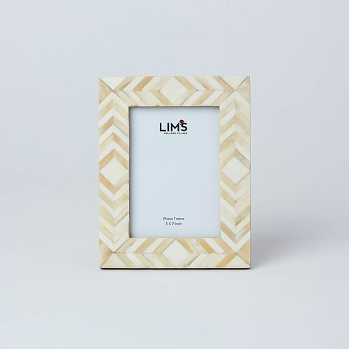 We deliver in Singapore. Affordable décor and photo frame available at Lims.