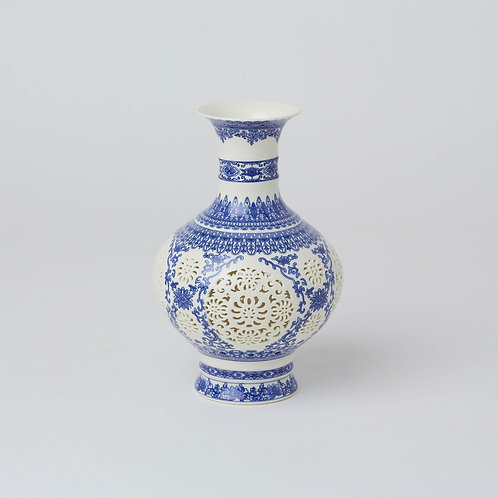 Chinese Chinoiserie Vase Blue & White Porcelain Jar Wide selection at Lim's Holland Village