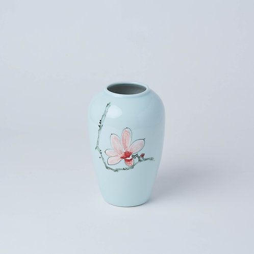 We deliver in Singapore. Affordable décor and vase available at Lims.