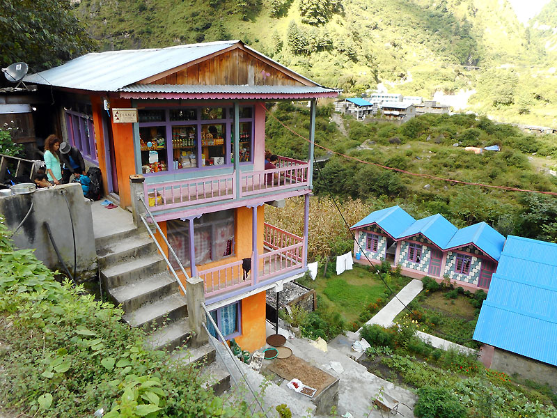 2016-08--Tag-5-Lodge-in-Dharapani