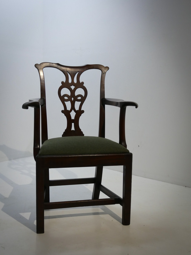 University of Liverpool Elbow Chair