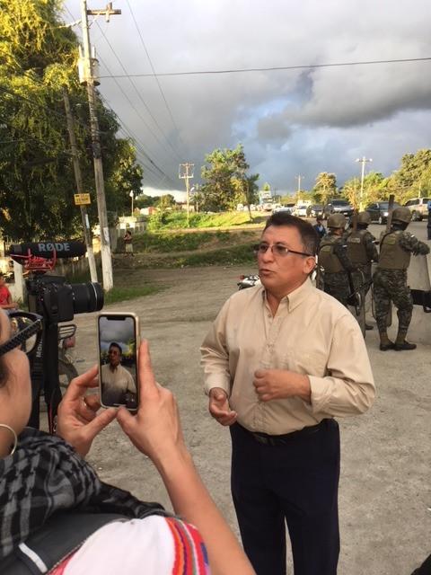 Bartolo Fuentes denounces his home being terrorized by uniformed police near El Progreso.