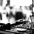 DJ mustard - TURN TABLE.webp