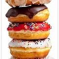 Golden Donuts Shops.webp