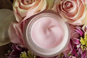 cosmetics-4361044_1920.jpg