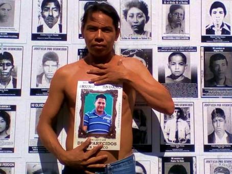 « Por la memoria de mi hermanito Bruno y los 37 mil desaparecidos en México »