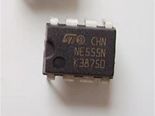 NE555P - טיימר