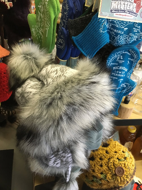 Chic Tundra Hat Grey with White