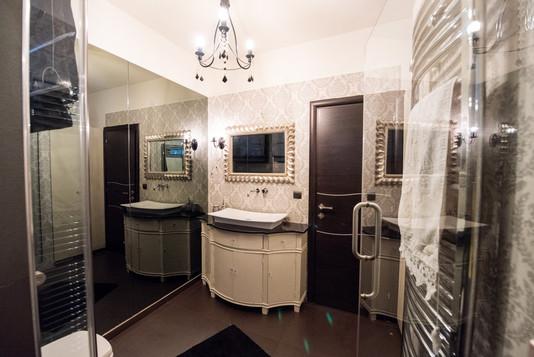 Bathroom/Μπάνιο