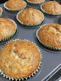 Recipe: (Paleo) Blood-Sugar-Balancing Banana Muffins