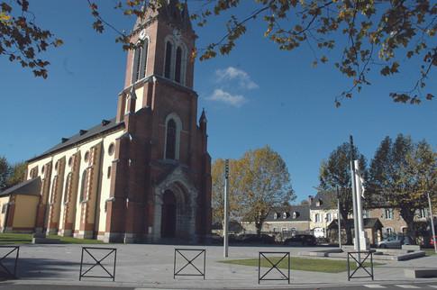 Le parvis de l'église