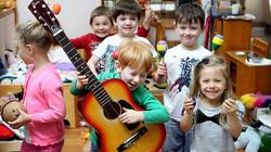 Helping-Children-Learn-Through-Music