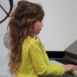 Edinburgh School of Music is providing  lessons to pupils from 4 years to adults.
