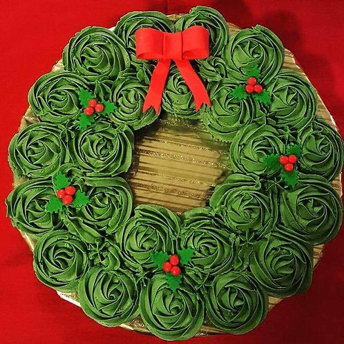 Holiday Wreath Pull-Apart Cake
