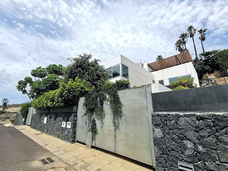 CV-20208-D Chalet 3 Dormitorios 3 Baños,  garaje, piscina, Chayofa  Aron