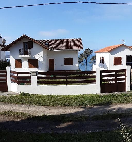 CV-20201-D Chalet, Playa O Lago, Muxia - La Coruña