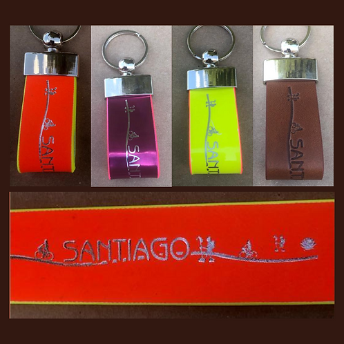Llavero de Piel con logotipo Santiago y symbolos typicos
