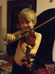 Der kleine Schelm mit der Geige