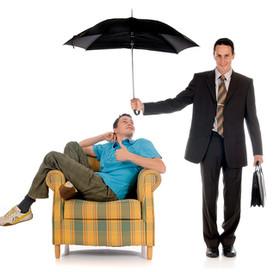 要保人死亡,所遺被保險人非要保人之保單,保單價值應併計遺產課稅!