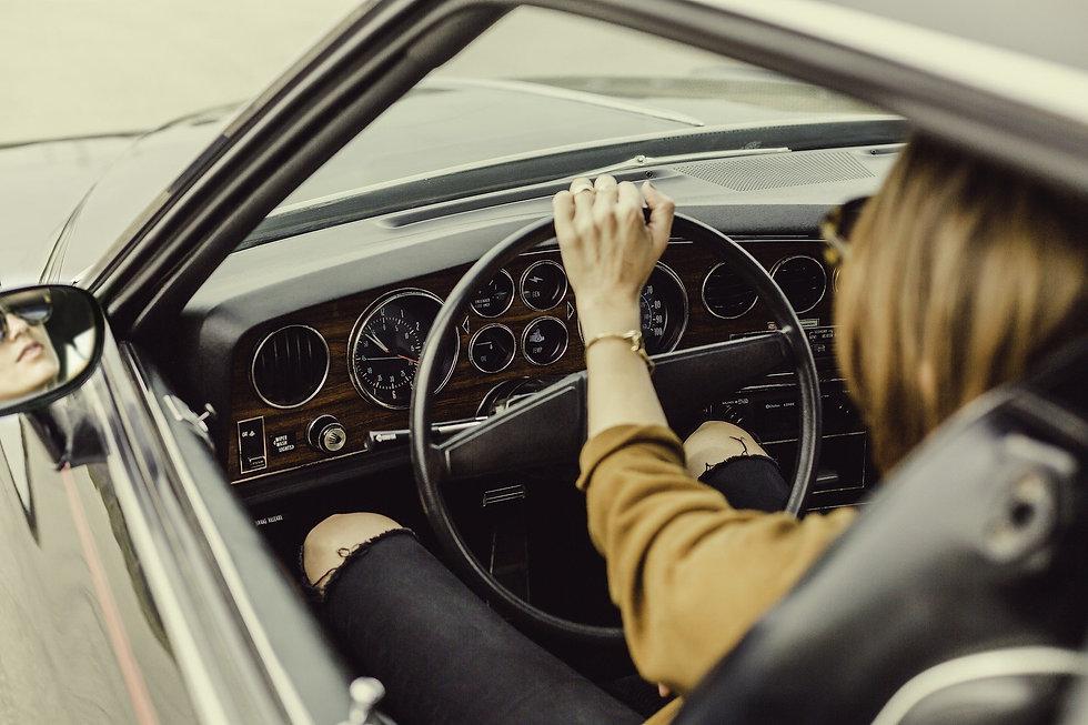 automotive-1866521_1920.jpg