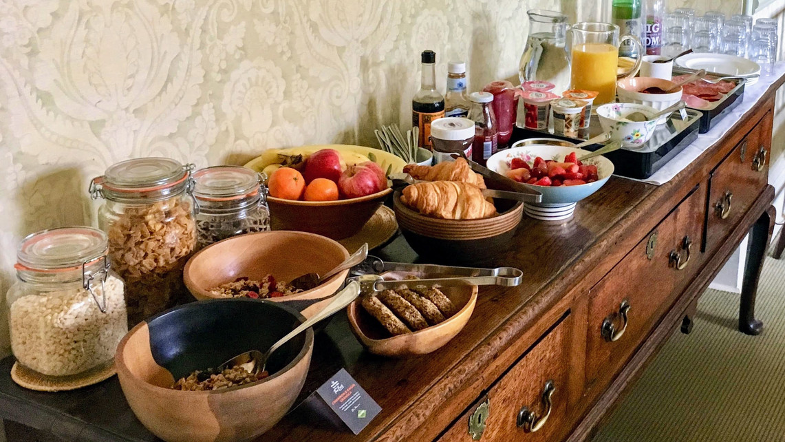 The breakfast dresser