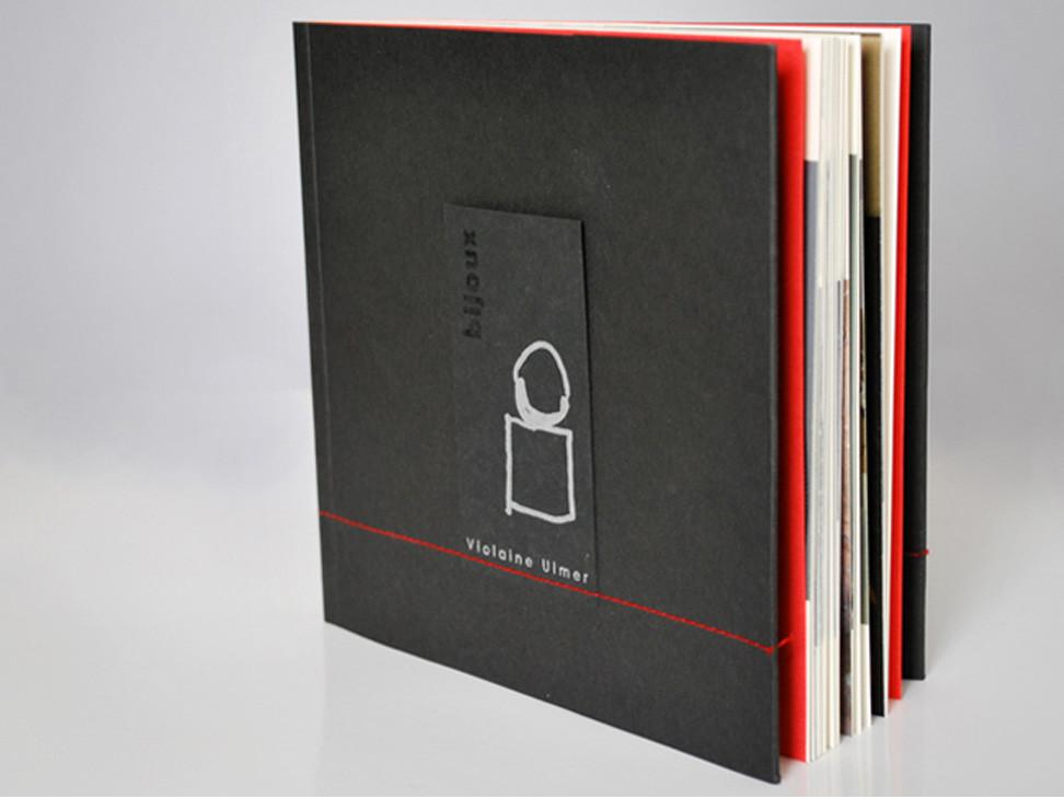 Livre-catalogue, Violaine Ulmer, Créatrice de bijoux en céramique contemporain, Toulouse