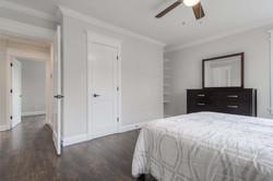 17 - master bed - 2.jpg
