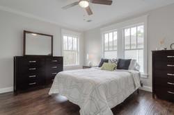 16 - master bed - 1.jpg