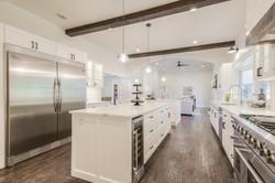 11 - kitchen 5.jpg