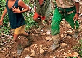 El país de los desplazamientos forzados. (Las venas abiertas de Colombia /01)