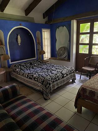 Miguel Blue Room (3 people)