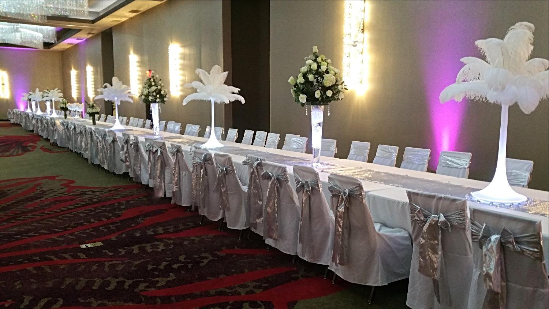 White Ostrich Wedding Centerpieces_edited