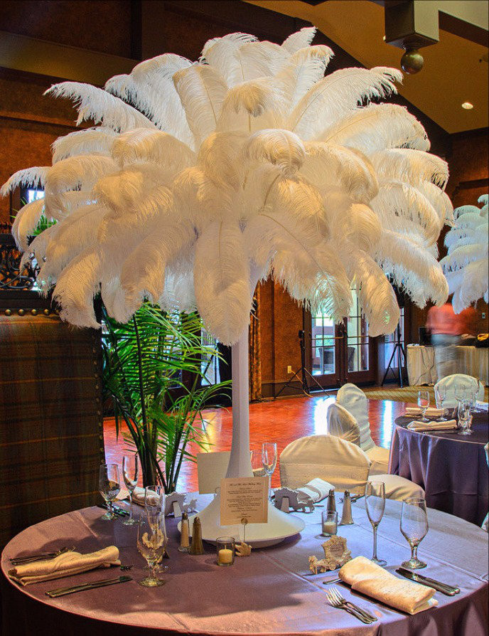 Ostrich feathers and complete centerpieces for rent