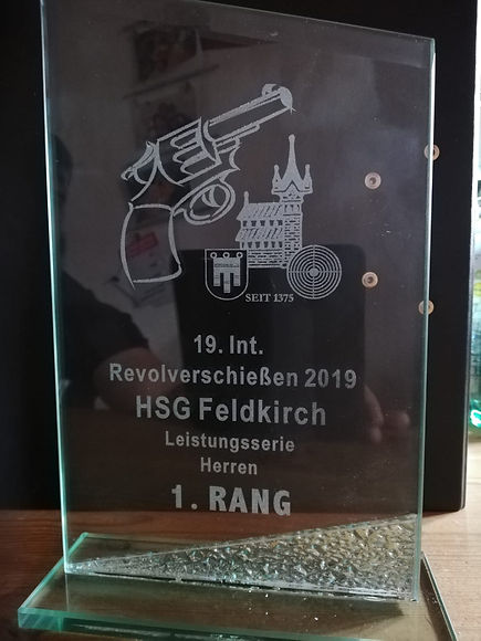 Revolver Mario Rauer 1. Rang 2019.jpg