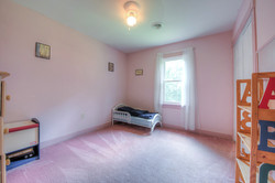 4331 Three Bridge Rd Bedroom 1