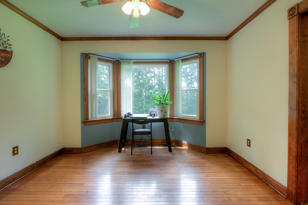 4331 Three Bridge Rd Dining Room