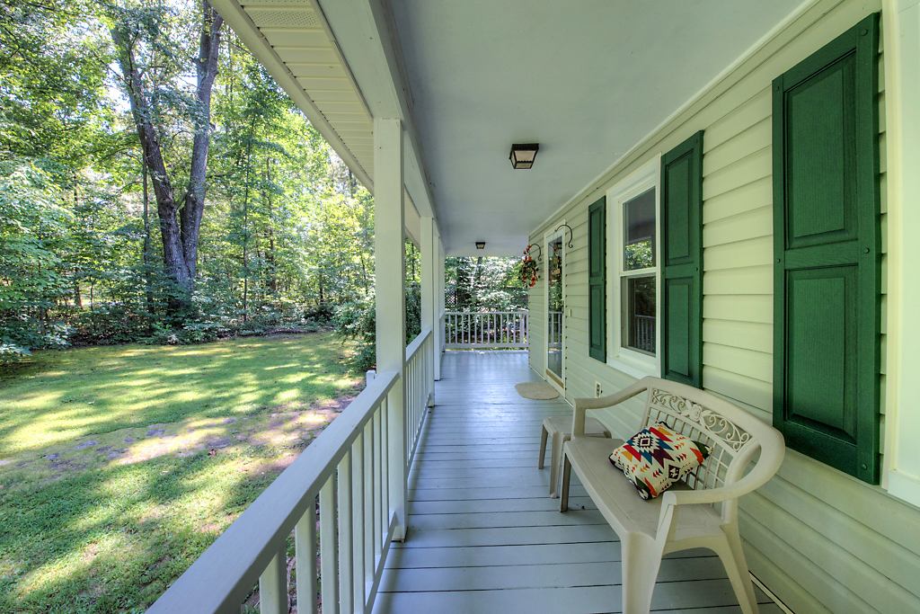4331 Three Bridge Rd Front Porch