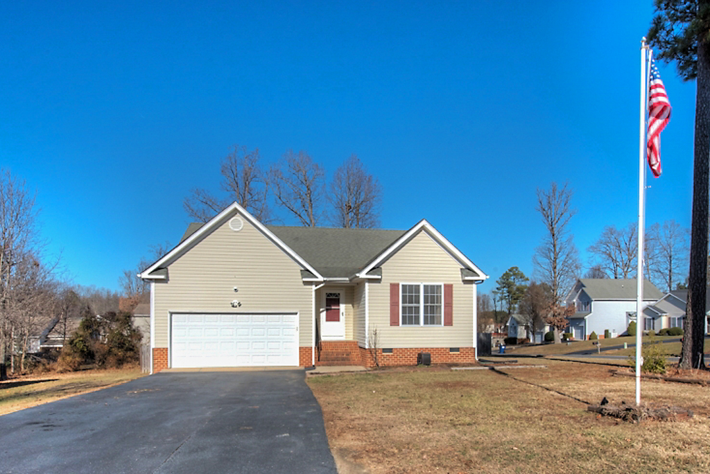 Welcome Home to 15100 Fernway Drive