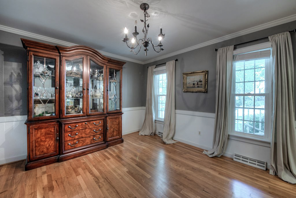 13025 Queensgate Rd Dining Room