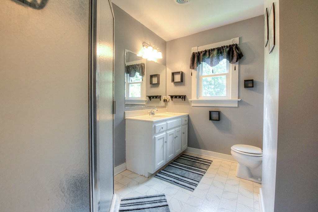 4331 Three Bridge Rd Master Bath
