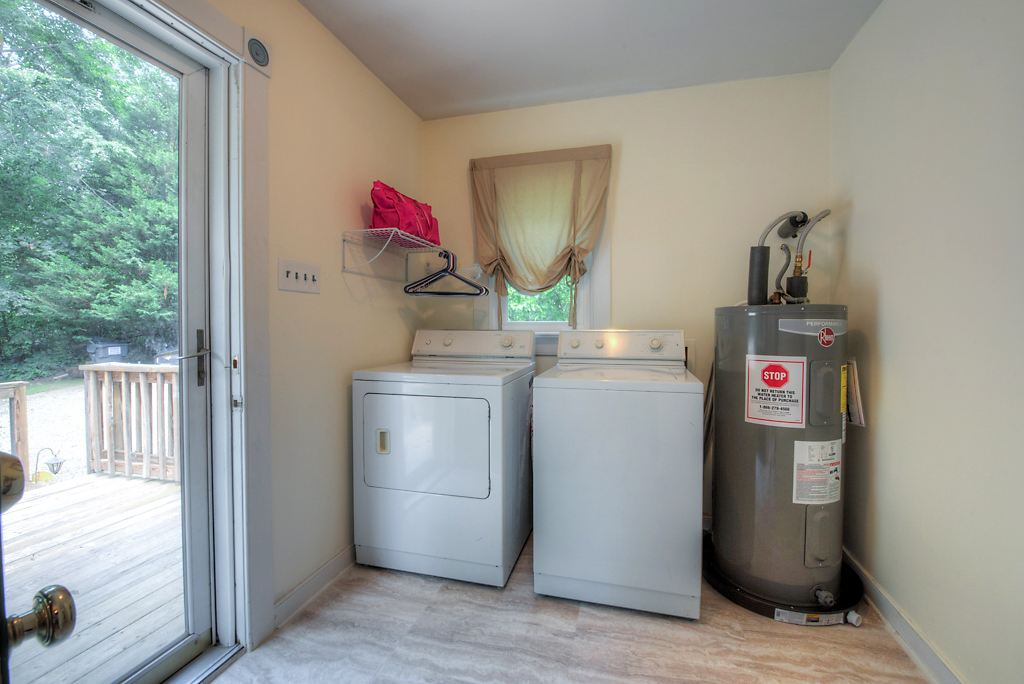 4331 Three Bridge Rd Mudroom