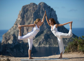 Top 10 tips for booking a yoga retreat